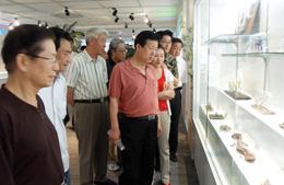 中国美术家协会人员参观展览